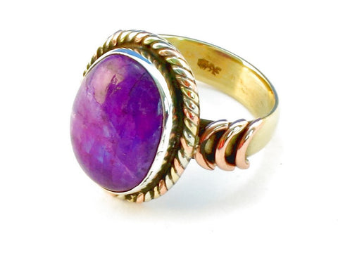 Design 110492 purple rainbow moonstone .925 Sterling Silver Ring Size 7