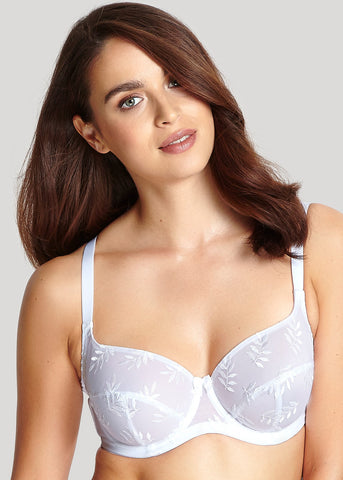 Model in Panache Tango Balconette BH Wit