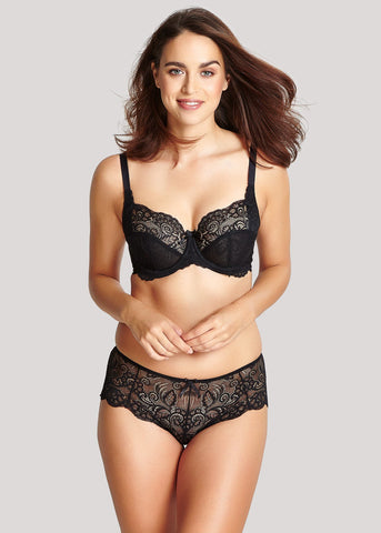 Model in Panache Andorra Zwart setje