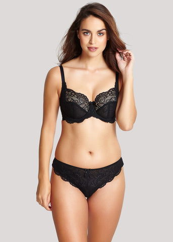 Model in Panache Andorra Zwart setje met string