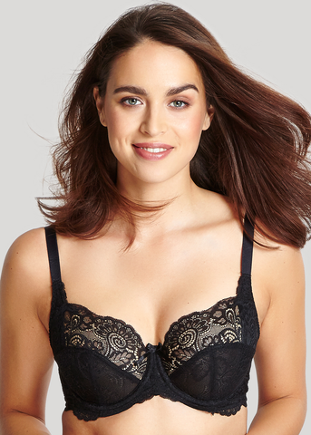Model in Panache Andorra Full Cup BH Zwart