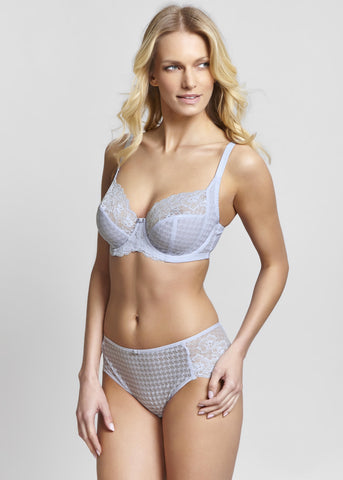 Model in Panache Envy Broekje Sky