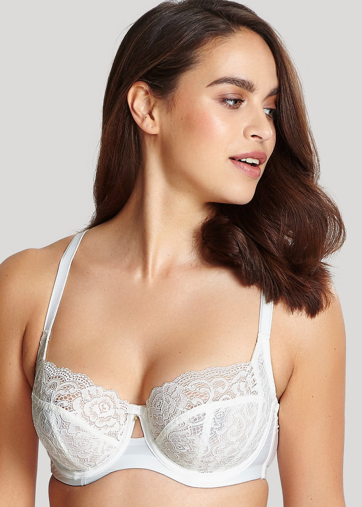 Model in Panache Quinn Balconnette BH Ivoor