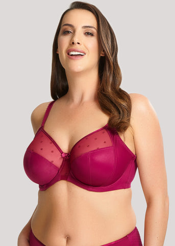 Model in Sculptresse Candi Full Cup BH Cassis voorzijde