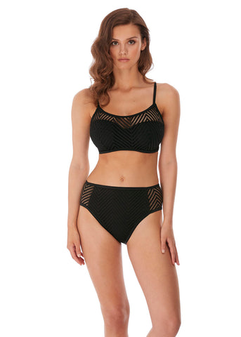 Model in Freya Urban Bralette Bikini Top Zwart