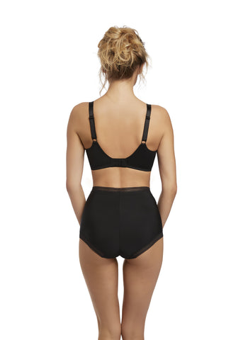 Model in Fantasie Fusion High Waisted Broekje Zwart