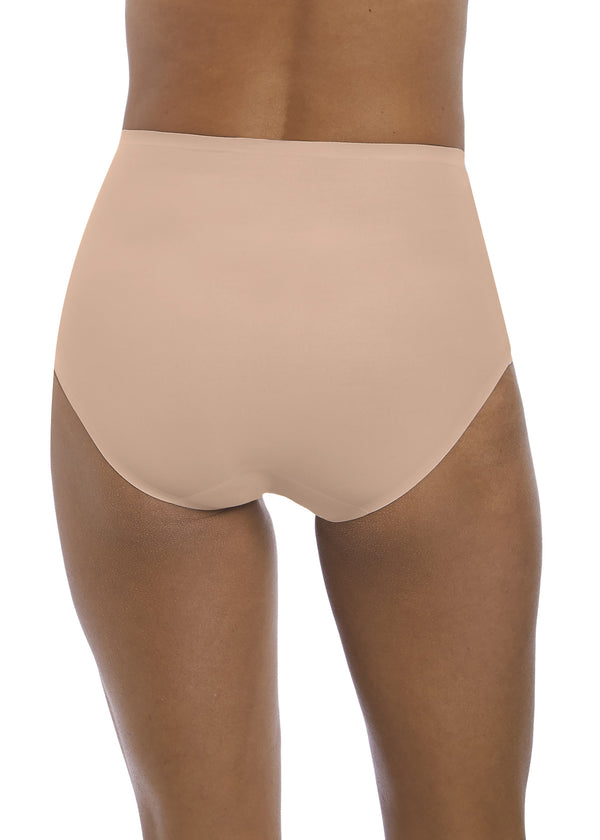 Model in Fantasie Smoothease High Waisted Broekje Beige Achter