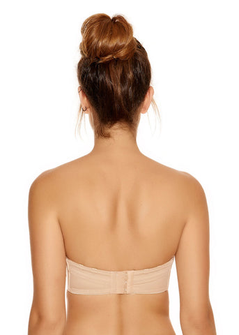 Model in Fantasie Smoothing Strapless BH Light Nude