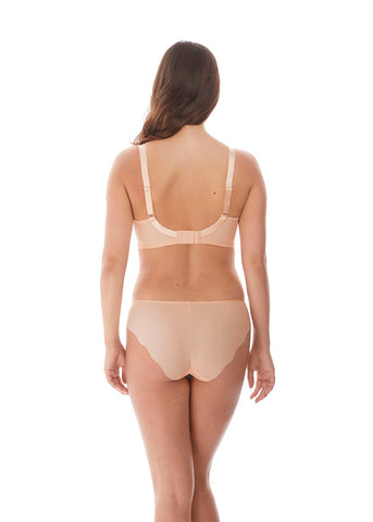Model in Fantasie Ana Broekje Blush