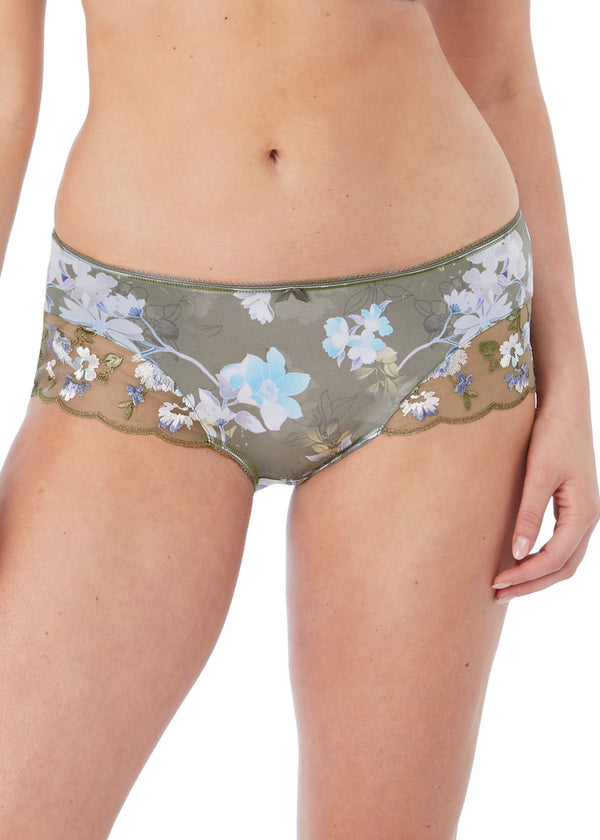 Model in Fantasie Emmie Evergreen short voorkant