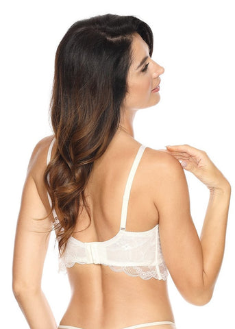 Model in Gorteks Charlize Padded Longline BH Wit