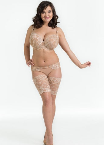Model in Ewa Michalak setje Nougat