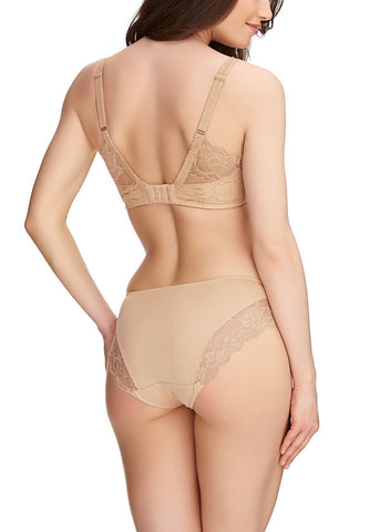Model in Fantasie rebecca lace sand BH