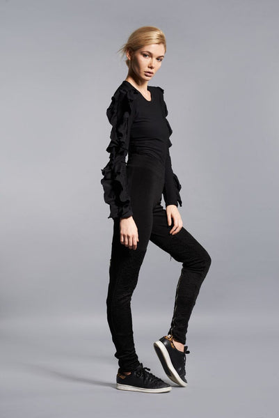 BLACK BUTTERFLY RUFFLE TOP