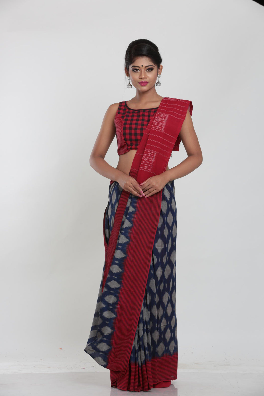 SAMBALPURI COTTON IKKAT SAREE WITH CONTRASTING TIE AND DYE WEAVING - Keya Seth Exclusive