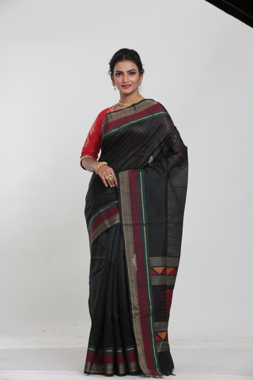 BLACK COLOUR MUGA SILK HANDLOOM SAREE