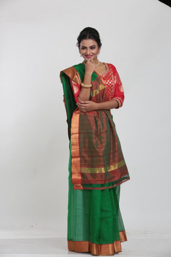 DARK GREEN COLOUR LIGHT WEIGHT SILK SAREE WITH CONTRASTING MAROON COLOUR PALLU AND BORDER