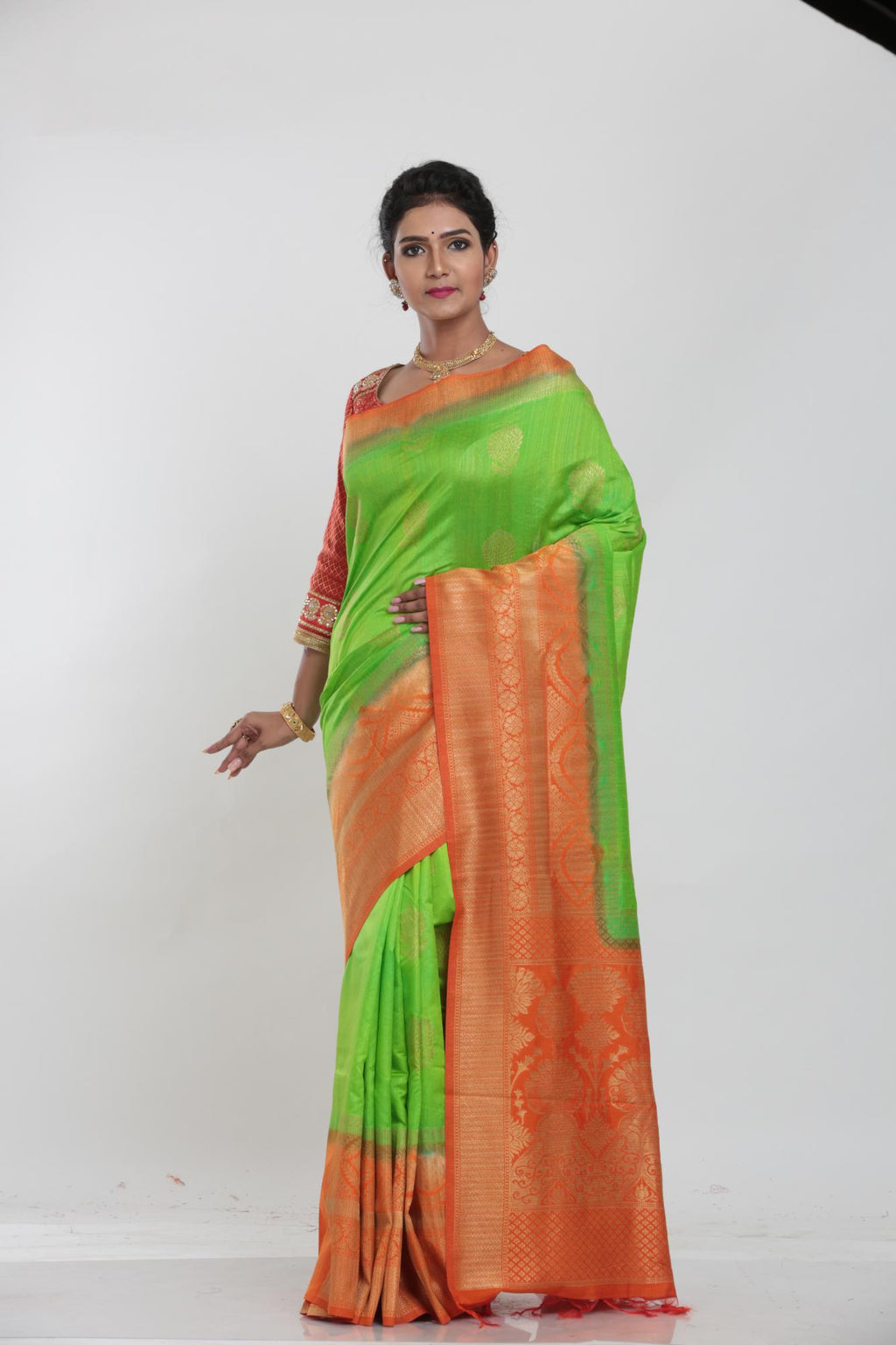 GREEN COLOUR GHICHA SILK SAREE WITH CONTRASTING COLOUR PALLU AND BORDER