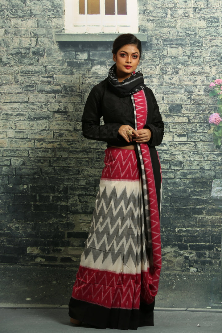SAREE SAMBALPURI COTTON IKKAT SAREE WITH CONTRASTING TIE AND DYE WEAVING