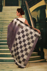 MULTICOLORED DYED COTTON HANDLOOM SAREE
