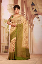 Load image into Gallery viewer, LIGHT BEIGE COLOUR GHICHA SILK SAREE WITH CONTRASTING GREEN COLOUR PALLU AND BORDER