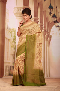 LIGHT BEIGE COLOUR GHICHA SILK SAREE WITH CONTRASTING GREEN COLOUR PALLU AND BORDER