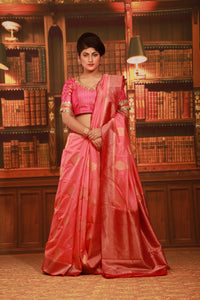 PEACH COLOUR GHICHA SILK SAREE WITH CONTRASTING ZARI WOVEN BORDER AND PALLU