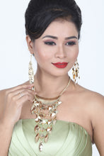 Load image into Gallery viewer, GOLDEN COLOUR OXIDISE WESTERN NECKLACE SET