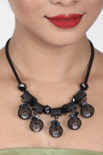 Load image into Gallery viewer, GORGEOUS BLACK COLOUR CRYSTAL AND BEADS NECKLACE