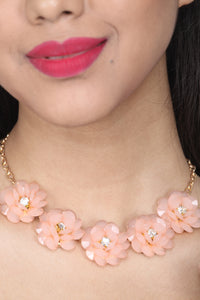 PEACH COLOUR BEAUTIFUL FLORAL CRYSTAL GLASS BEADS NECKLACE