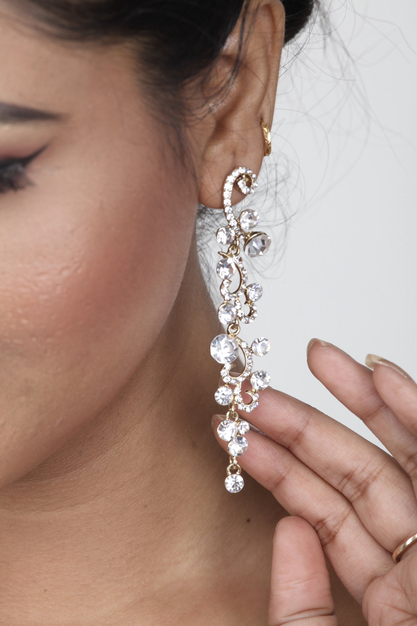 WHITE COLOUR BEAUTIFUL LONG STONE EARRING