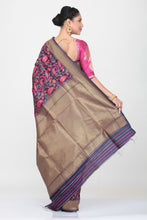 Load image into Gallery viewer, GREY COLOUR GHICHA SILK SAREE WITH ALL OVER CONTRASTING FLORAL WEAVING