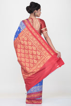 Load image into Gallery viewer, DARK BLUE COLOUR SILK SAREE WITH CONTRASTING BORDER AND PALLU