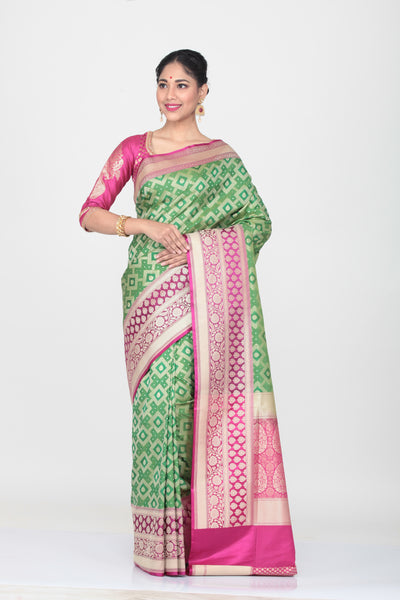 GREEN COLOUR OPRA KATAN SILK SAREE WITH CONTRASTING BORDER AND PALLU