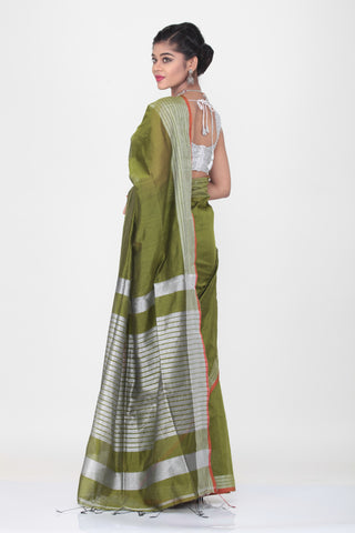 GREEN COLOUR HANDLOOM SAREE WITH CONTRASTING SILVER BORDER AND PALLU