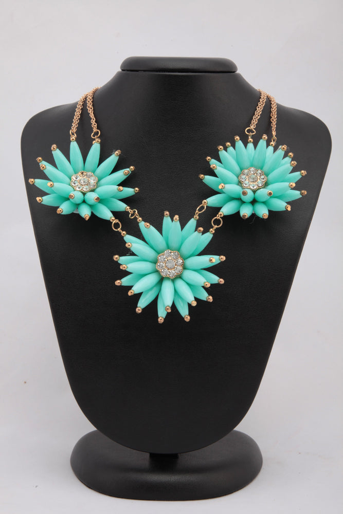 BEAUTIFUL FIROZI COLOUR FLORAL BEADS NECKLACE