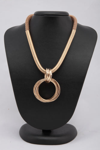 GOLDEN COLOUR METAL BRAIDED NECKLACE WITH METAL PENDANT