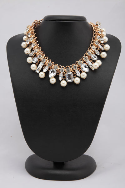 WHITE COLOUR CRYSTAL AND BEADS NECKLACE