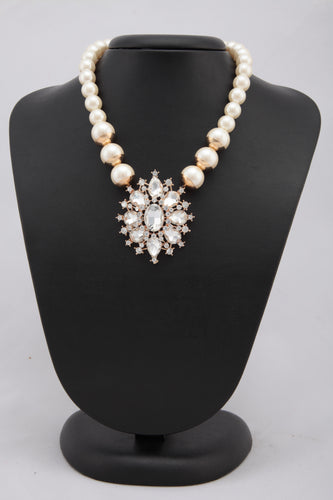 WHITE COLOUR PEARL CHAIN WITH CRYSTAL PENDANT