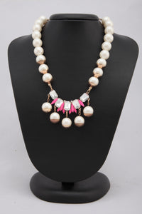 GOLDEN COLOUR PEARL AND CRYSTAL NECKLACE
