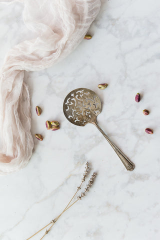 round headed serving spoon