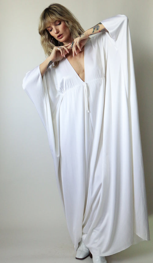 70's White Pearl Waterfall Gown Size S-L