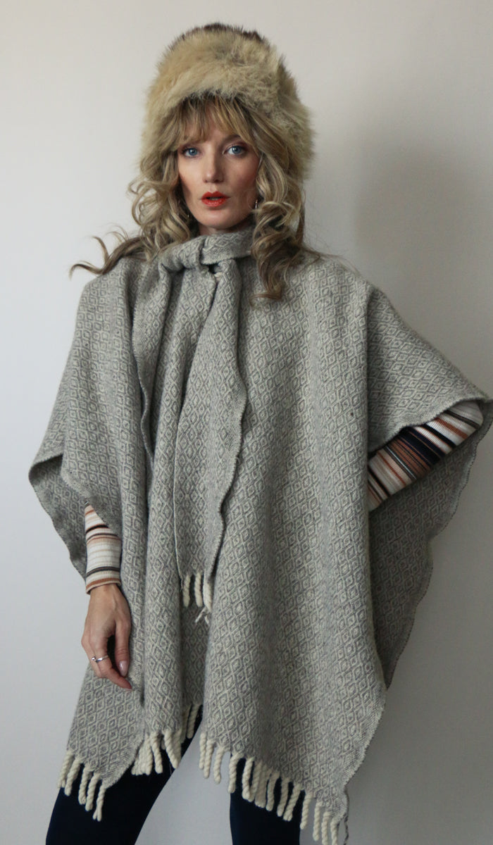Vintage Warm Gray Wool Poncho O/S