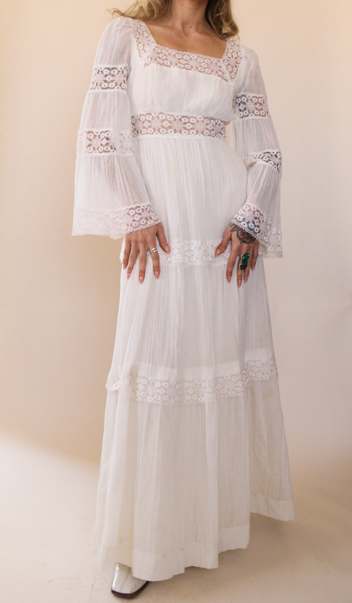 70's White Gauze Lace Wedding Gown Size XS