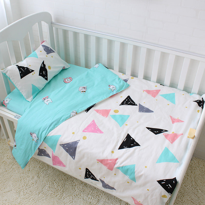 Costbuys  3pcs Baby Bedding Set Colorful Triangle Pattern Baby Linen Include Duvet Cover Pillowcase Bed Sheet Pure Cotton Baby C