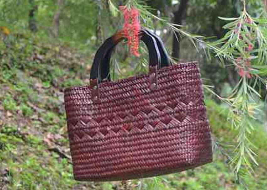 Costbuys  Wind grass woven mat section straw bag Handicraft natural green woven women's handbag travel holiday beach bag Top-Han