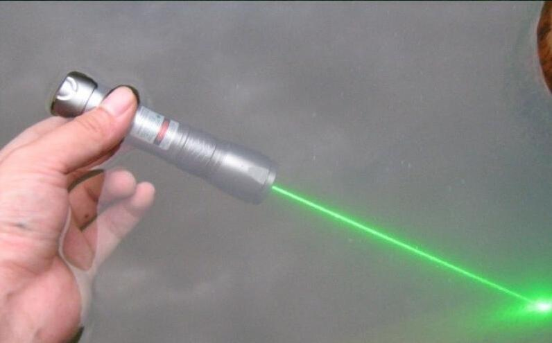 Costbuys  Laser pointers focusable high power green laser pointers 10000m 532nm burning match+pop balloon+Charger+box - 5mW