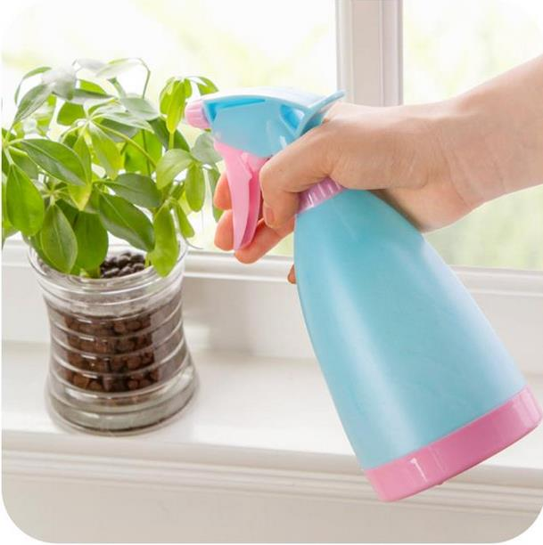 Costbuys  Hand-pressure Spray BottleCandy Colors Small Trigger Garden Watering Pot Sprayer 400ml Creative Household Garden Suppl