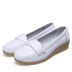 Spring women flats shoes ladies cow leather loafers female moccasins white flat low heel nurse shoes mother shoes