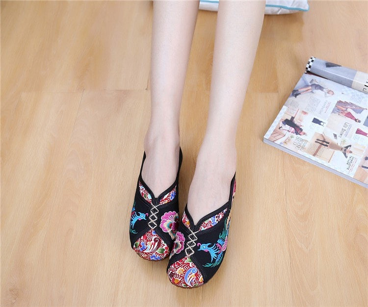 547cf96c62 New Spring Vintage Canvas Women Flats Shoes Phoenix Embroidered Comfortable  Old Peking Cloth Slip On Dance Singles Ballet Flats